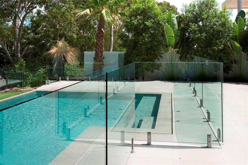 The Many Benefits of Glass Pool Fencing