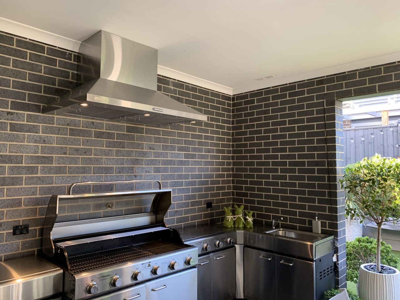 The Reasons Why Every Kitchen Should Have a Rangehood.